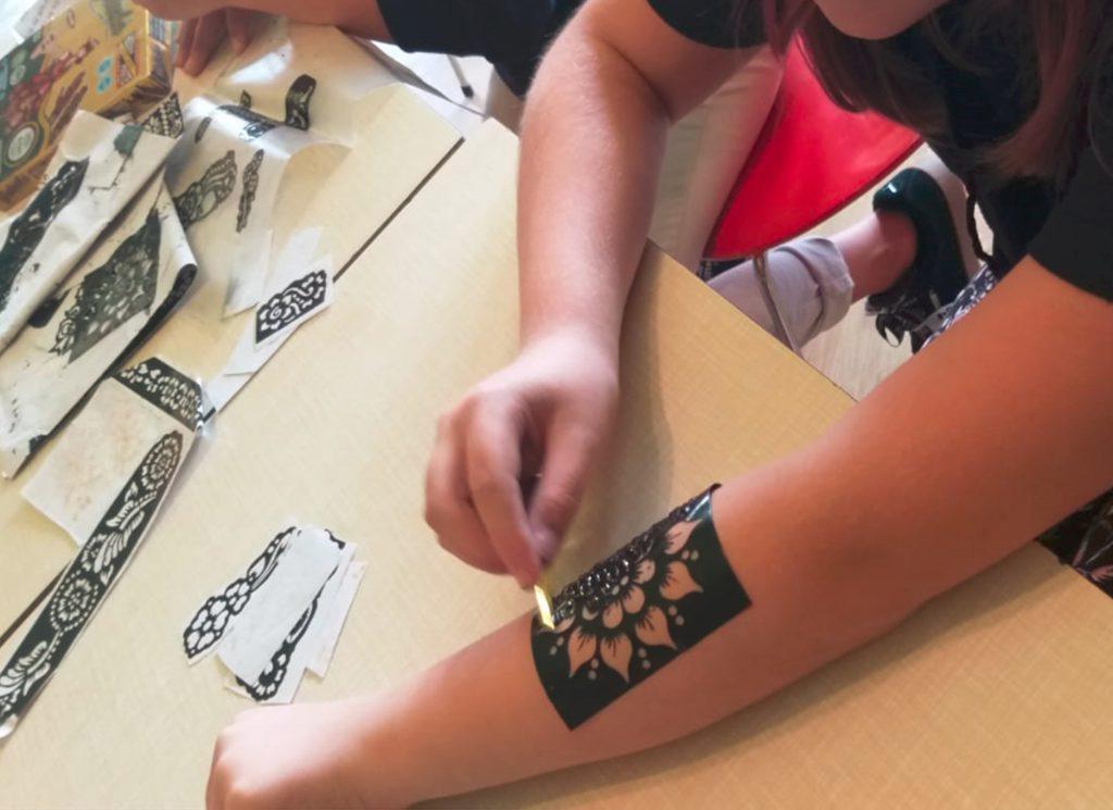 Henna-tatoos-1024x745 in Sommerferienrückblick - Halbzeit